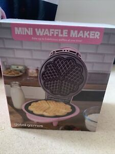 Global Gizmos 35570 1000w Electric Non Stick Waffle Maker - Pink