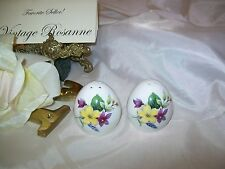 Fine Bone China SANFORD Salt & Pepper Shakers Made in England Day Lilies