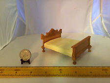 1/16 SCALE VINTAGE MINIATURE STURDY WOODEN FANCY BED DOLLHOUSE FURNITURE