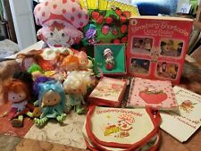 Lot of 19 Strawberry Shortcake Items & Figures Mixed