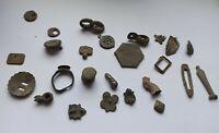 LOT OF 25 VARIOUS ANCIENT ROMAN ARTEFACTS, APPLIQUES, RINGS 100-400 AD