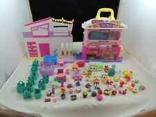 Shopkins Tall Mall With  Figures  Baskets