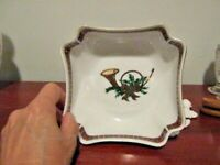 """Vintage Georges Briard Christmas Nut Dish """"The Hunt"""" Red Green Plaid Gold Trim"""