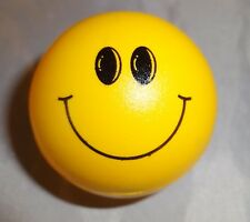 Happy Face, Mini 4.3cm Herb Grinder [ Magnetic & Without Storage ] Yellow
