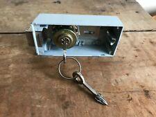 SERRURE FICHET pour ARMOIRE ou socle de COFFRE-FORT avec ses 2 clés
