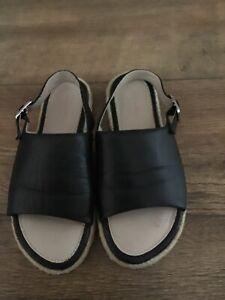 Clarks Ladies Sandals Size 4 - EUR 37