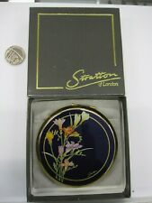 STRATTON LADIES COMPACT BEAUTIFUL DESIGN GOLD AND FLORAL DESIGN AND COLOUR