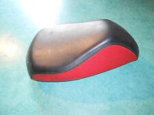 Selle scooter Peugeot noir et rouge