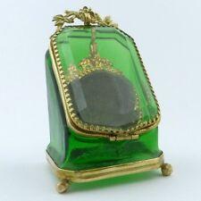 um 1900: Taschenuhrenständer, watch holder grünes Glas Messing feuervergoldet