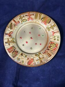 Yankee Candle Holiday Plate Decorated with Presents - NWT
