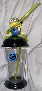 New Dreamworks despicable me Minions Sipper Drink cup with crazy straw