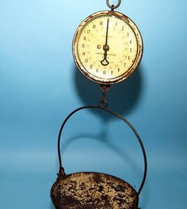 Landers, Frary & Clark Vintage Universal 40-pound Hanging Scale