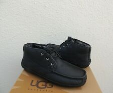 UGG LYLE BLACK LEATHER SHEEPSKIN CHUKKA BOOTS, MEN US 9/ EUR 42 ~NEW