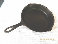 ANTIQUE MID 20th CENTURY WAGNER WARE SIDNEY 0 CAST IRON SKILLET # 8 - 1058D