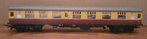 Old Tri-ang Built in Britain OO Gauge Railway Train Red & Cream Coach 15865