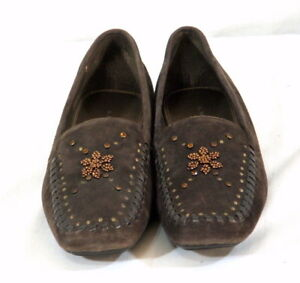 A Marinelli Suede Shoes Brown Size 8 N Moccasin Style Beadwork