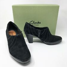 "CLARKS ARTISAN ""Diamond Chest"" Woman's Black Suede Shooties Booties Shoes sz 8"