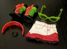 Monster High Ghoulia Yelps Comic Book Club Skirt and Accessories
