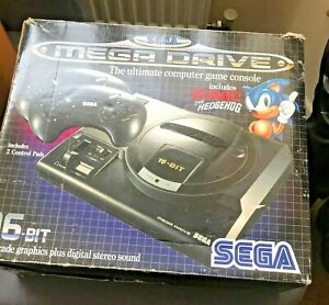 C/./VSega Mega Drive Console Boxed Sonic The Hedgehog Edition + 4  GAMES