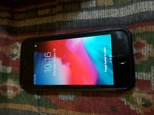 Apple iPhone SE (1st Gen) 16GB - Canada/GSM Unlocked- iOS black and grey