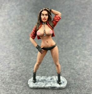tin toy soldiers  54 mm painted sexy girl.  Girl-37