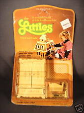 1980 Mattel The Littles Armoir and Cradle