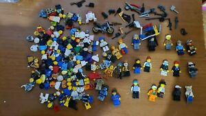 lotto di varii pezzi di  personaggi lego per parti di ricambio