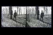 Un homme dans une fôret Mode 1900 Grande plaque négative stéréo C