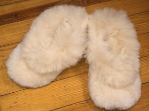 Women's 100% Baby Alpaca Fur Soft Fluffy Thick House Slippers Sizes 7-8-9 US NEW