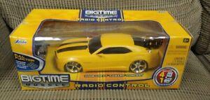 Jada Big Time Muscle 1:24 Yellow 2006 Chevy Camaro Concept Radio Control RC NEW!