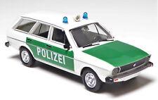 H0 BREKINA Personenkraftwagen VW Passat Kombi Variant Polizei Blaulicht # 25606