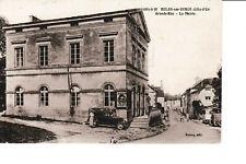 Belan-sur-Ource - Grande rue, la mairie avec voiture ancienne