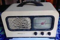 VINTAGE Philco Tube Radio Model 41-220 Beautiful Condition
