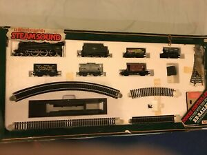 Mainline Railways Express Freight Set never used, box ripped in great condition