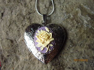 CREAMY YELLOW ROSE ON LAVENDER, PURPLE CAMEO SILVER PLATED HEART LOCKET
