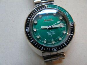 bulova oceanographer snorkel divers watch 666ft green mint .