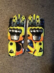 ROSSI VR46 DAINESE RACING MOTORBIKE LEATHER GLOVES NEW Size XL Rare Bright