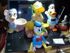 Donald  Duck Konvolut  4x Porzellan,1x Gummi,1x Beton 1x Goofy