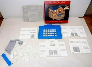 Bachmann O/O-27 HS-6 PLASTICVILLE HOSPITAL Structure KIT ~UNBUILT~Red Box~  T120