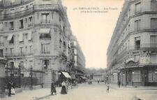 Paris-Auteuil - Street Chick