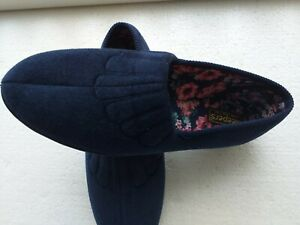 TRADITIONAL SLIPPERS SIZE 8 E/EE MADE IN SPAIN  NEW IN BOX