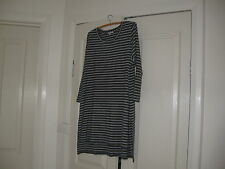 Ladies Long Top Size 20 Design Target Colour Grey & White Striped 3/4 Sleeves