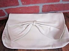VINTAGE cream leather clutch soft big CUTE great condition zip closure NO BRAND