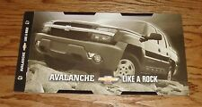 Original 2002 Chevrolet Avalanche Sales Brochure 02 Chevy