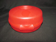 Tupperware Set of 2 Round Sandwich or Bagel Keepers 1 Red and 1 Blue