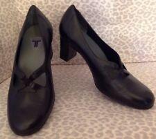 Women's 7 W Black Leather Trotters Heels