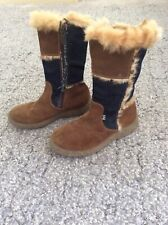 D&G Girls Boots With Real Fur Size 2