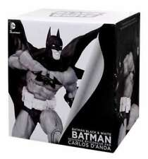 Batman Black & White Statue Batman by Carlos D'Anda 20 cm
