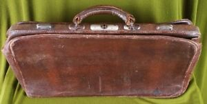 2547 An Early 20th Century Brown Leather Gentleman's Valise