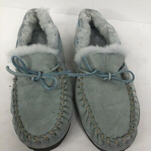 LL Bean Womens 10 baby Blue Sheerling Lamb Fur Moccasin Wicked Good Slippers